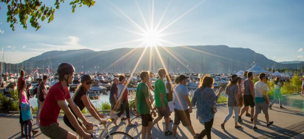 Bikers along Waterfront Park