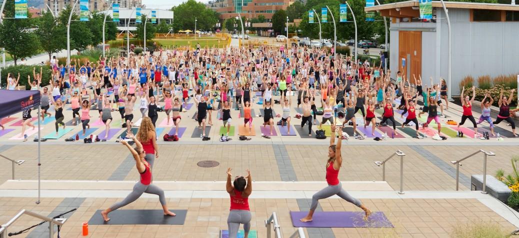 Stuart Park Largest Yoga Class